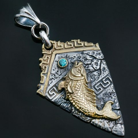 Atlantis Fish in Greek Pattern Silver Pendant With Green Zirconia PT-077Z
