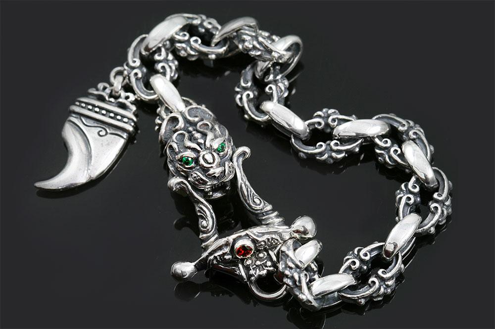 Bisma Lion Head & Lion Claw Charm Silver Bracelet BR-032