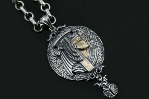 cleopatra-egyptian-two-tone-silver-bronze-medallion-pendant-pt-158-