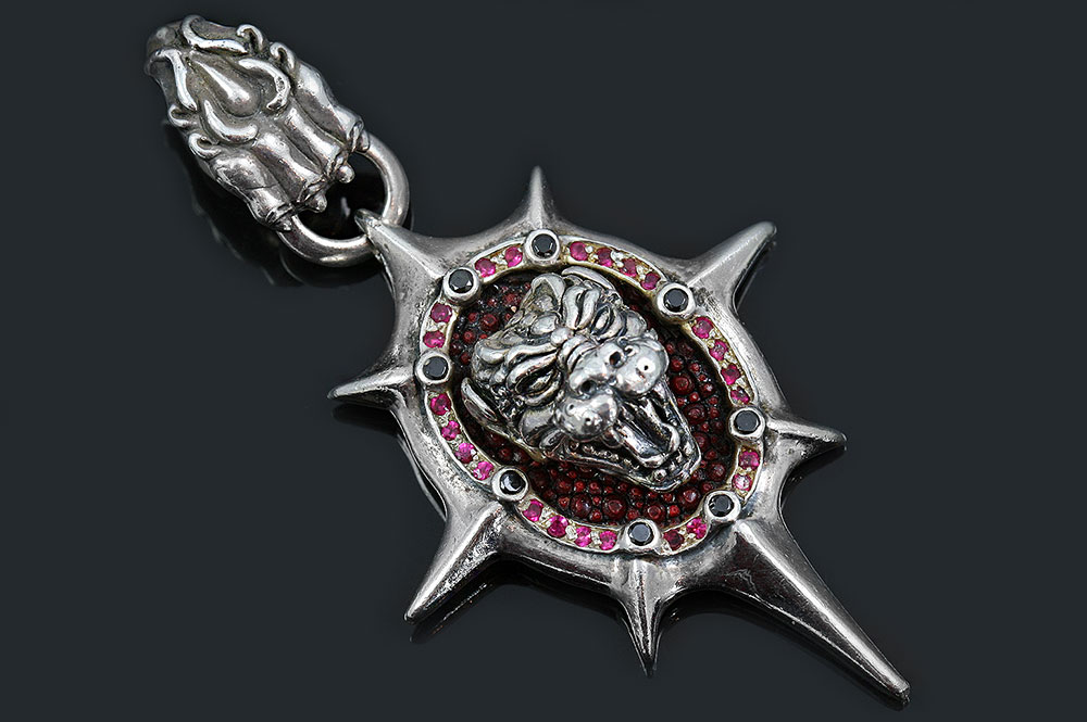 Dahil Lion Head on Red Stingray Skin Silver Pendant PN-043