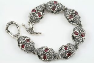 French Skull Ruby Eyes Luxurious Silver Bracelet BR-027