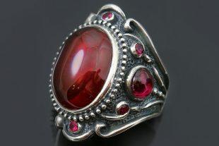 Hertsoginna Red Cabochon Corundum Silver Ring LR-145R