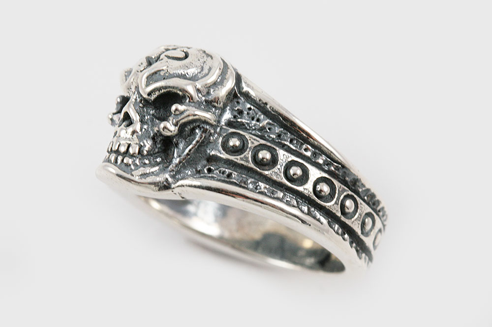 Iron Skull Sterling Silver Ring UR-021
