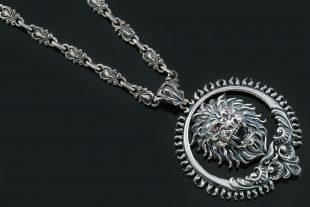 Lionard Leo Zodiac Sign Symbolic Baroque Silver Pendant PT-015