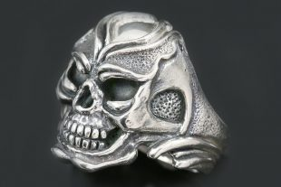 Luppo Oxidized Silver Skull Ring MR-151