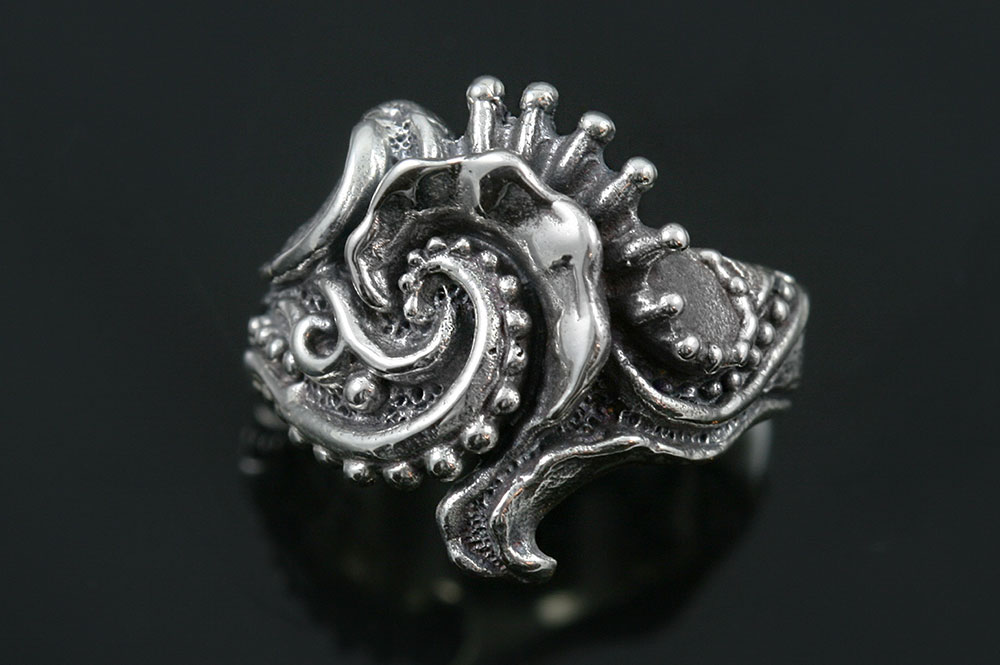 Obstra Abstract Floral Oxidized Silver Ring LR-103