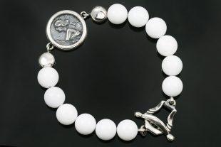 Woman Medallion Charm 10mm White Jade Beaded Bracelet BB-087W